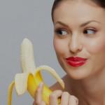devushka-s-bananom