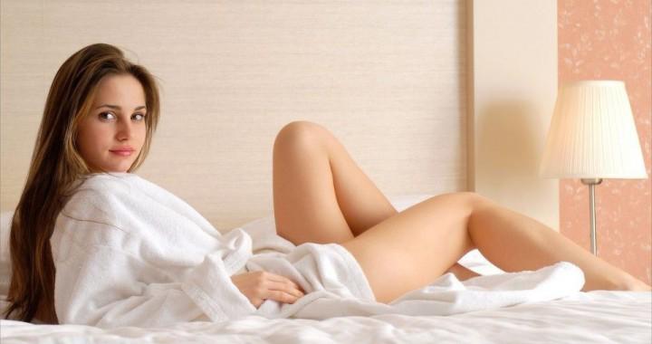 preview_brunettes_women_beds_bedroom_irina_buromskih_anya_irin_desktop_3000x2008_hd-wallpaper-943164